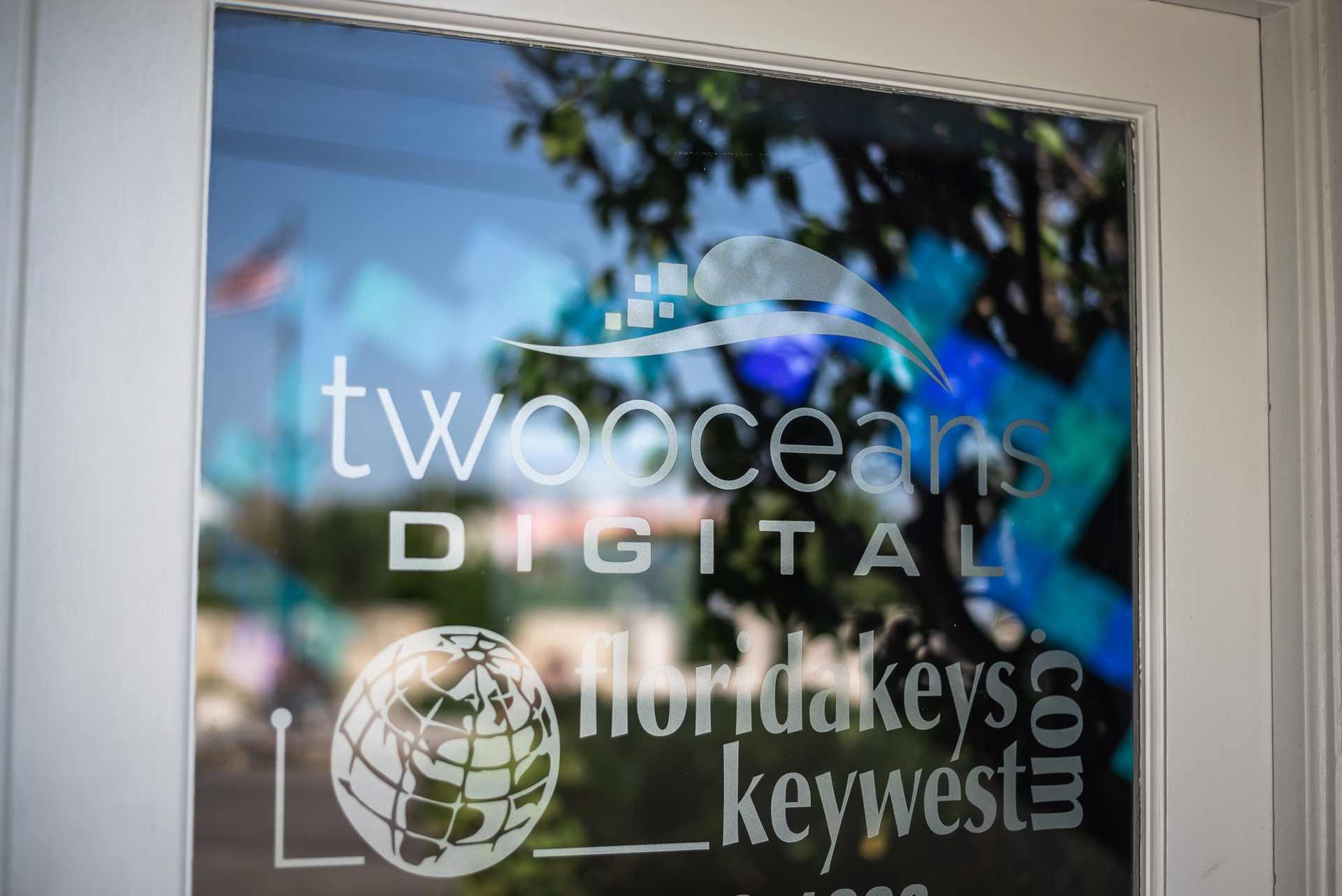 Two Oceans Digital Door